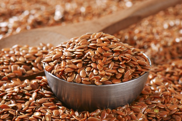 Семя льна при панкреатите поджелудочной железы: как принимать, льняная мука, лечение