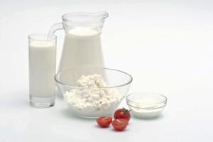 Кисломолочные продукты полезны для печени и ЖКТ.