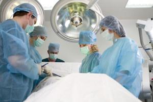 При каких случаях нужна операция на поджелудочной и печени